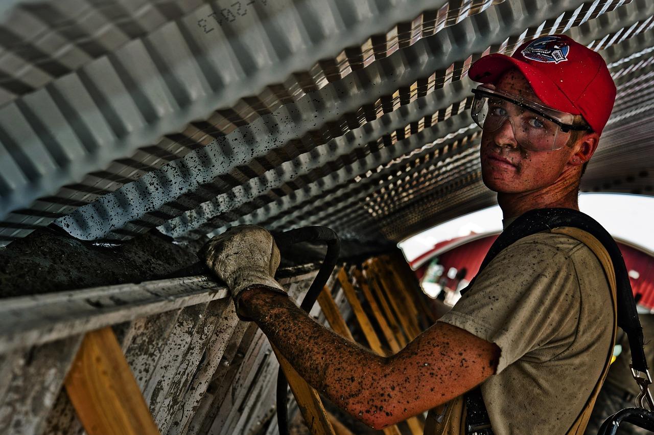 עובד בבנייה